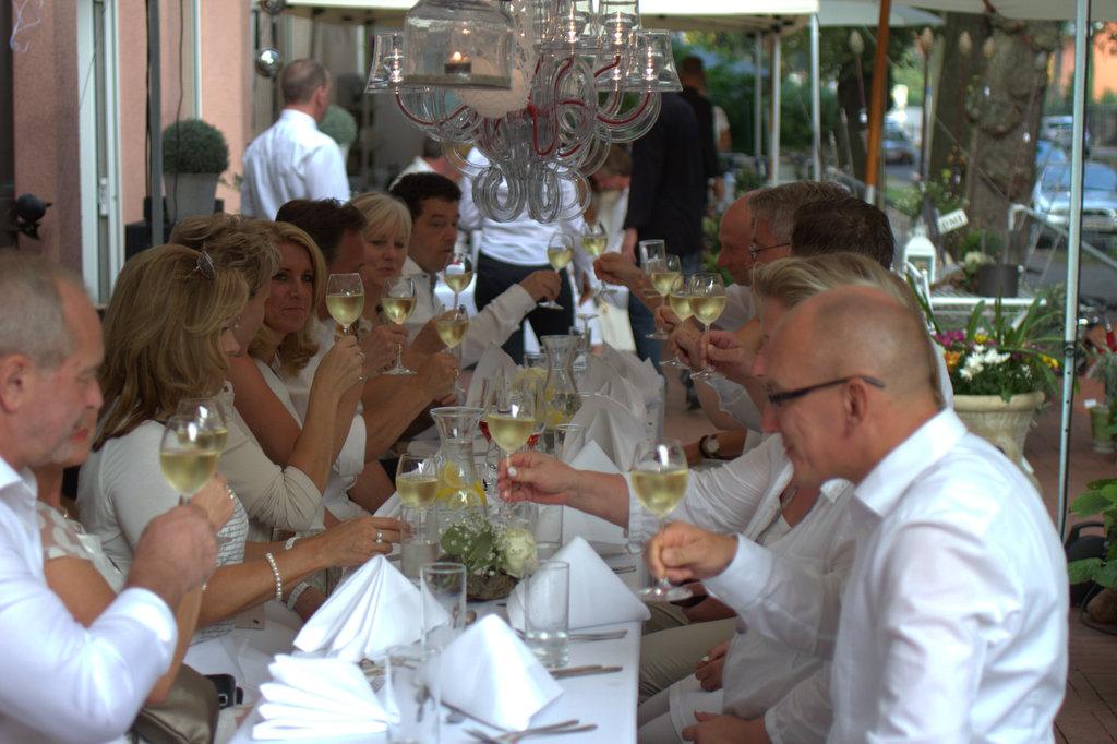 Gritte Jepp - White Dinner Tisch & Tafel